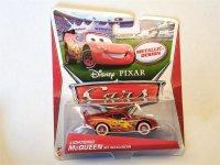 Disney Pixar Cars Lightning McQueen mit Aufklebern Mattel...