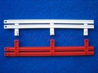 2 Leitplanken kunststoff rot-weiss 1:32 NINCO 10201 Paar